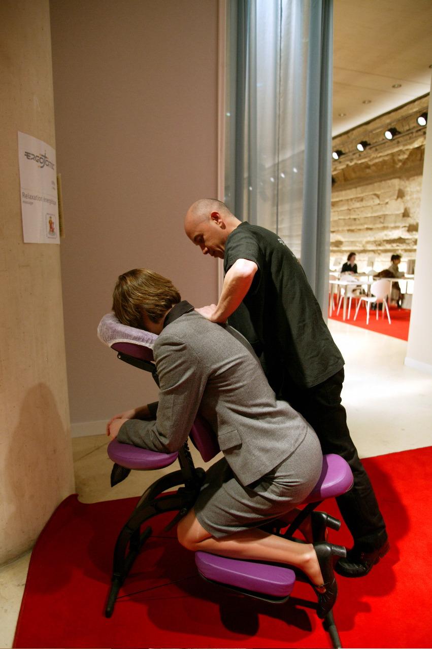 massage assis en entreprise ergotonic. Black Bedroom Furniture Sets. Home Design Ideas