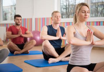 YOGA : POSTURES DYNAMIQUES & EXERCICES RESPIRATOIRES